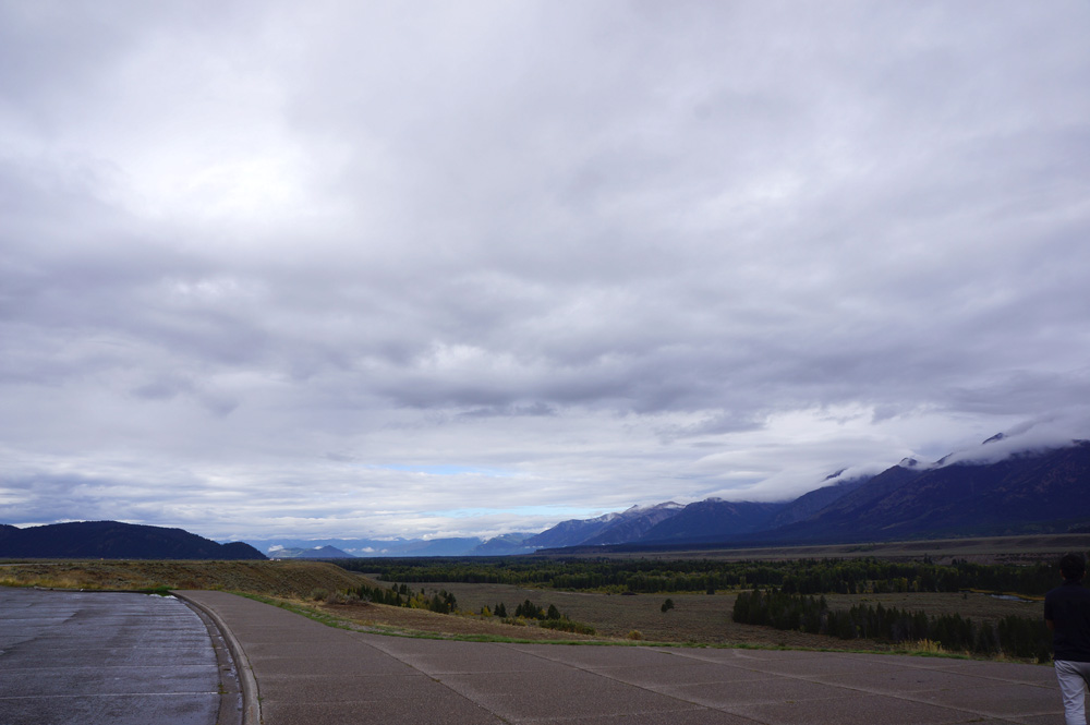 別の角度から グランドティトン 遠くまで見える雲が綺麗